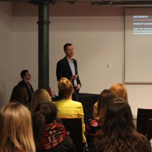 Prezentacja firmy Kaldewei: Marek Piosik opowiedział o nowościach oraz stali emaliowanej Kaldewei.