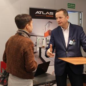 Jacek Żok z Atlas Kuchnie odpowiada na pytania i prezentuje przykłady wykończeń mebli kuchennych.