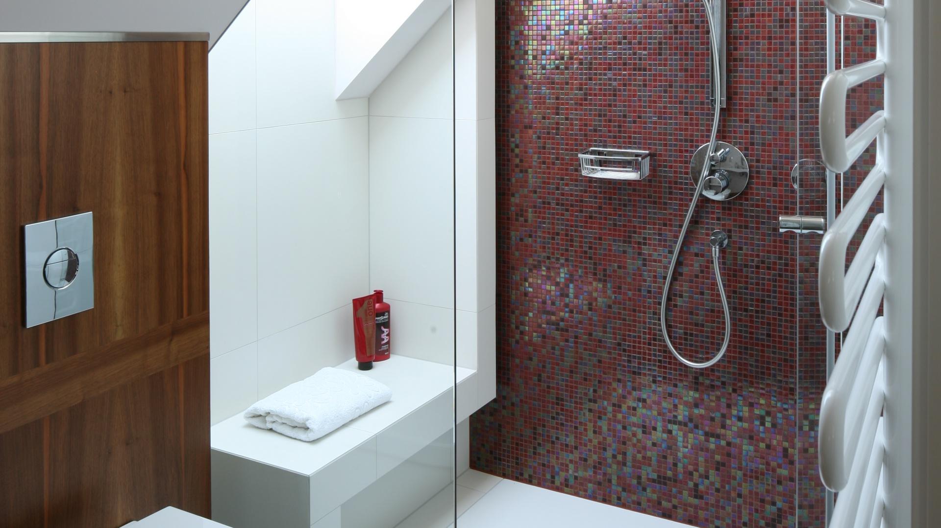 Mała łazienka Gotowy Projekt Na Poddaszu