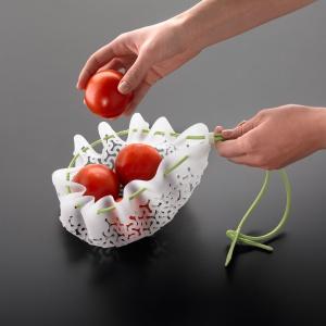 Silikonowy woreczek do gotowania przyda się np. wtedy, gdy chcemy ugotować lub ufarbować jajka. Fot. Leduvel.