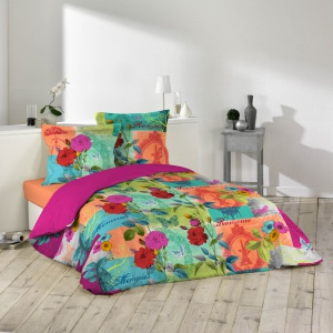 Kolorowa pościel Gipsy z wyrazistym wzorem kwiatów z oferty sklepu Bonami.pl. Fot. Bonami