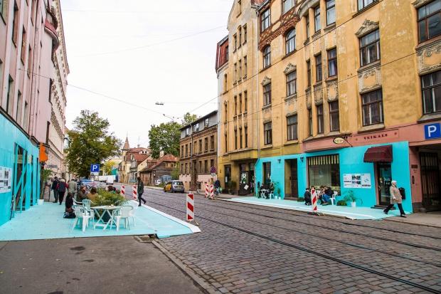 Plaże, ulice, szkoły - jak w praktyce wygląda projektowanie przestrzeni publicznej dla wszystkich użytkowników?