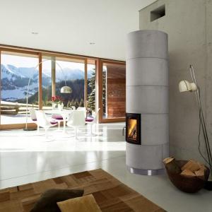 Ważnym elementem kominka jest jego obudowa. Możemy dopasować ją np. do ścian w salonie. Fot. Brunner, kominek KSO.
