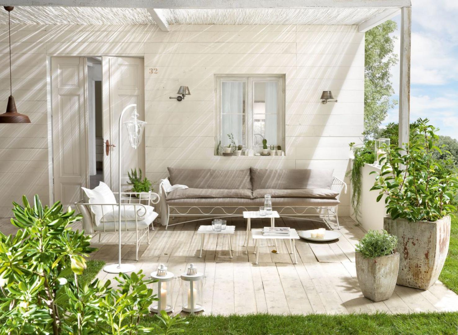 Sielskość i radość spędzania czasu na świeżym powietrzu podkreślą meble z kolekcji Bahamas. Fot. Cantori