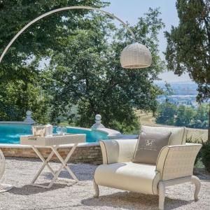 Przykładem ciekawego wzornictwa może być kolekcja Canopo. Ogrodowe meble o nowoczesnych, nieco eklektycznych kształtach swoim wyglądem zapraszają do rozkoszowania się wiosenną aurą. Fot. Samuele Mazza