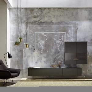 Stylowe, miejski i ponadczasowe meble do salonu z kolekcji GENTI Hülsta, która łączy minimalizm brył z efektownymi materiałami wykończeniowymi. Fot. Hülsta