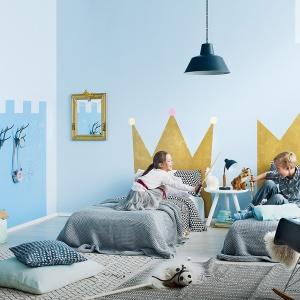 Błękity idealnie sprawdzą się w pokojach dziecięcych. Są lekkie, świeże i optymistyczne. Fot. Tikkurila.