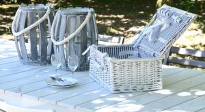 Wiosną i latem piknik z najbliższymi to wyjątkowo przyjemny sposób na relaks w otoczeniu przyrody. Zobaczcie nasze propozycje stylowych akcesoriów na majówkę.