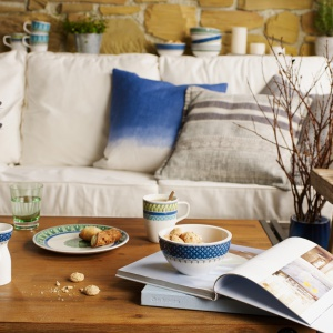 W skład kolekcji wchodzą między innymi talerze, miski, spodki, filiżanki do herbaty i różnych rodzajów kawy. Fot. Villeroy&Boch/Rossi.pl