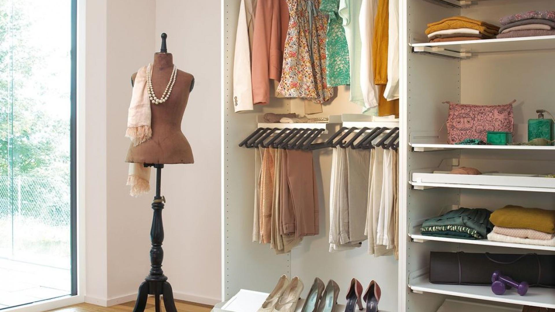 System Extendo z nadstawnymi półkami na buty. Fot. Peka