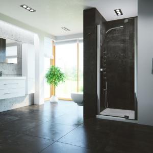 Drzwi do wnęki prysznicowej z serii Scalia firmy New Trendy. Fot. New Trendy