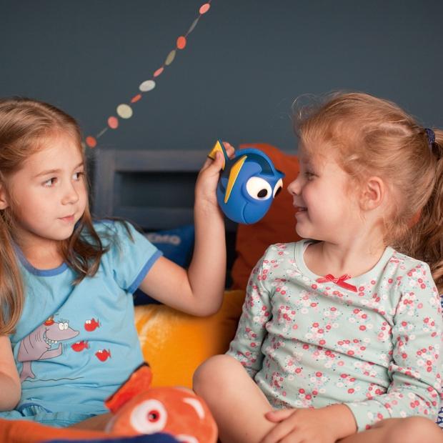 Oświetlenie w pokoju dziecka: z ulubionymi bohaterami kreskówek