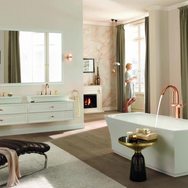 Modne baterie łazienkowe: różowe złoto