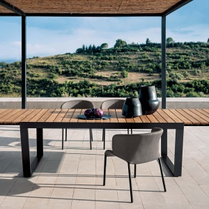 Krzesła Double marki Roda to propozycja w stylu nowoczesnym: lekkie i wygodne. Fot. Roda