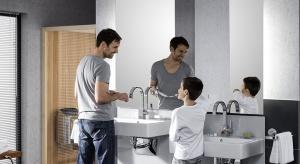 Regulacja wysokości umywalki i miski sedesowejza pomocą przycisku, aby wygodnie mogli korzystać z łazienki wszyscy domownicy? Teraz to możliwe!