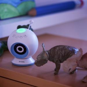 EyeOn Baby nie tylko pozwala monitorować dziecko, ale zintegrowana z systemem inteligentnego domu może kontrolować temperaturę w pokoju dziecka. Fot. D-link