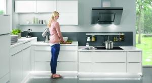 Właściwe rozplanowanie szafek, odpowiednia wysokoœść - to wszystko wpływa na komfort pracy w kuchni i na nasze zdrowie. Na co więc zwrócić uwagę planując zabudowę kuchenną?