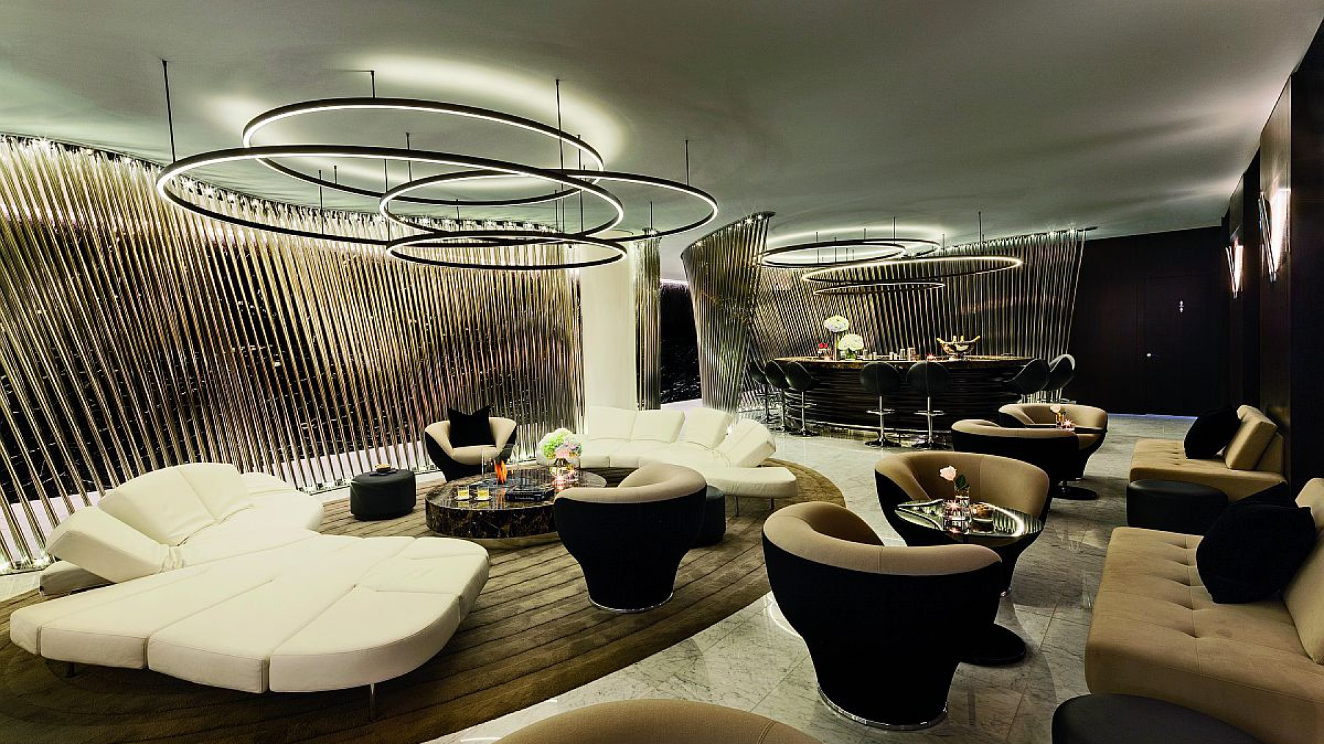 Hotel ME zlokalizowany jest w londyńskim Westminsterze. Projekt autorstwa pracowni Foster+Partners realizowany był przez 8 lat. Fot. Foster+Partners