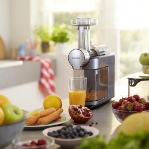 Sporządzanie własnoręcznie zrobionych soków w domowych warunkach to wspaniały sposób na zdrowy posiłek. Fot. Philips
