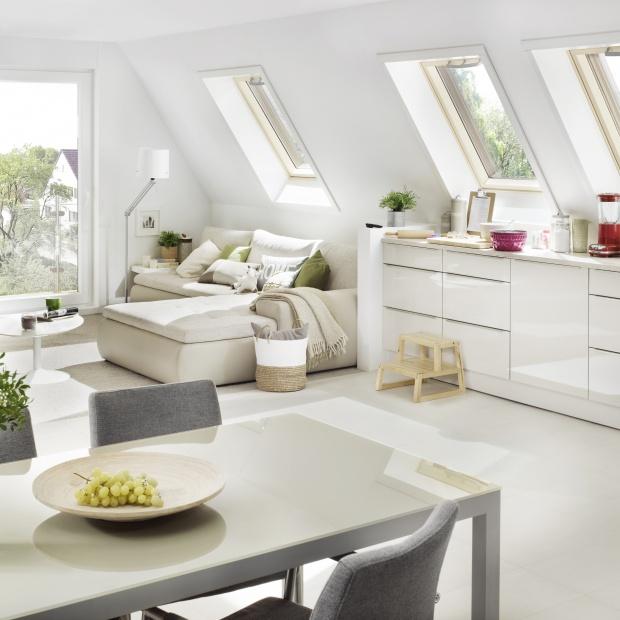 Praktyczne poddasze - rolety i markizy do okien dachowych