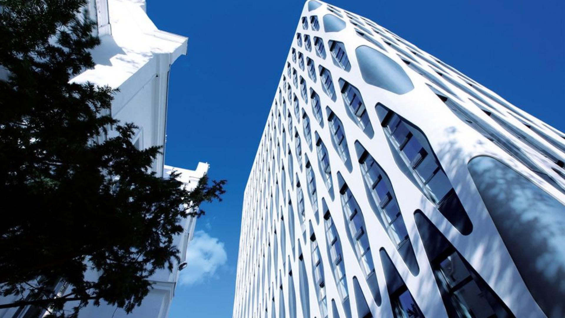Poznański Nobel Tower powalczy w finale Life Challenge 2016 o tytuł Europejskiej Fasady Roku w kategorii budynków niemieszkalnych. Fot. Baumit