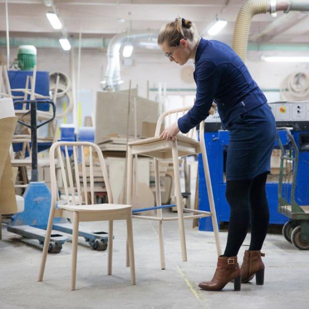 Nowe krzesło zaprojektowane przez Jadwigę Husarską-Sobinę