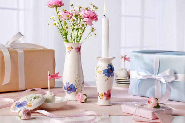 26 maja podaruj mamie upominek, który przypomni Wam wspólnie spędzone chwile. Może być ubrany w jedną barwę lub ozdobiony kolorowym dekorem. I niech będzie trwały jak porcelana.