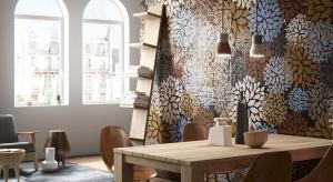 Ściany można udekorować na wiele sposobów. Niezwykle urokliwym pomysłem są kwiatowe mozaiki. Zobaczcie inspiracje prosto z Włoch.