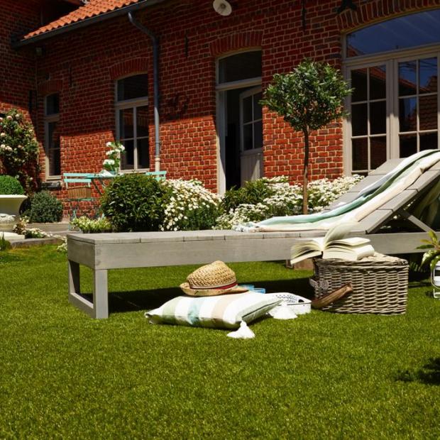 Ratunek dla trawnika: postaw na sztuczne nawierzchnie
