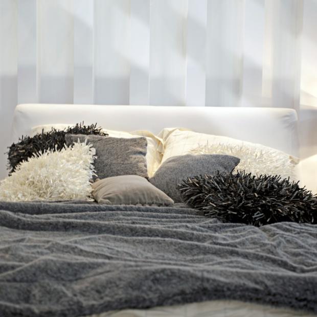 Wygodna sypialnia: wybieramy poduszkę