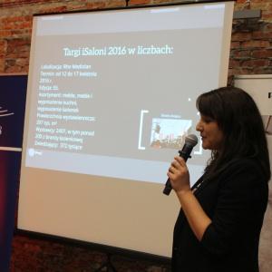 Anna Romanowicz, redaktor magazynu Łazienka, opowiadała o łazienkowych trendach prosto z Isaloni.