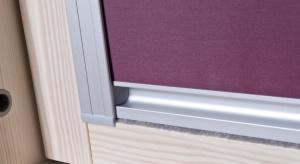 Poddasze użytkowe pełne światła to zapewne marzenie niejednej osoby budującej dom. Warto jednak wcześniej wyposażyć okna dachowe w rolety, które będą odpowiednio dozować ilość promieni słonecznych docierających do pomieszczenia.