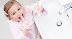 Warto zastanowić się nad urządzeniem łazienki pod kątem jej najmłodszych użytkowników, tak aby kąpiel była dla nich zawsze przyjemnością.