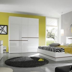 Sypialnia w nowoczesnym stylu z geometrią w roli głównej. Fot. Helvetia Wieruszów, sypialnia Neve