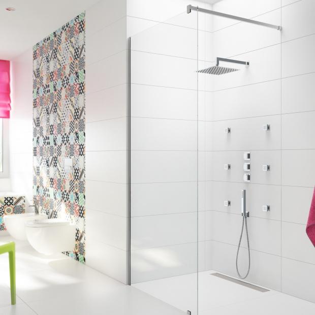 Kąpiel z hydromasażem – nowości do strefy prysznica