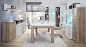 Połączenie połyskującej bieli i dekoru drewna zawsze prezentuje się nienagannie. Zobaczcie nową kolekcję wykorzystującą te kolory i faktury.