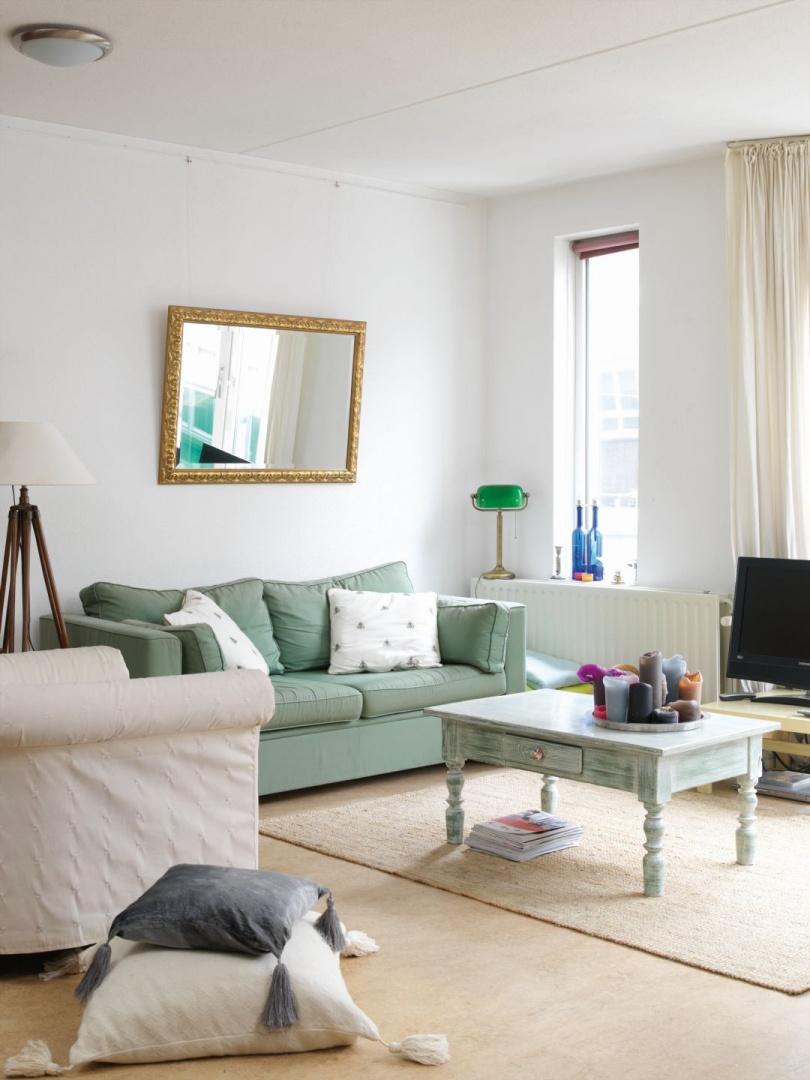 Białe wnętrza w stylu skandynawskim. Fot. Bondex