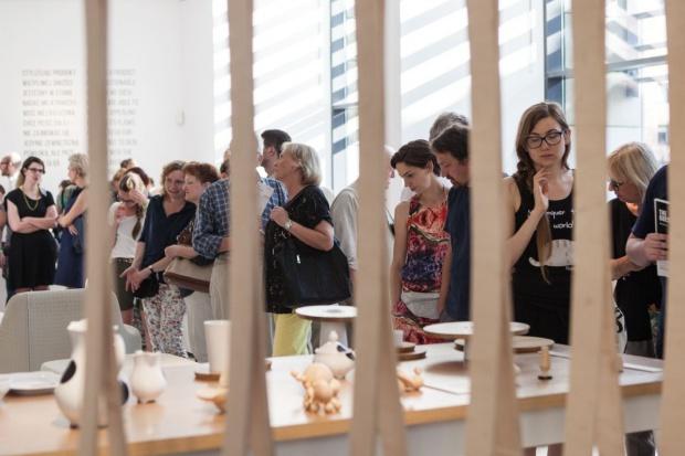 W tym roku Gdynia obchodzi swoje 90. urodziny, a Gdynia Design Days startuje z 9. edycją festiwalu. Na hasło ODZYSKANE mieszkańcy, entuzjaści designu, projektanci i młodzi przedsiębiorcy wyruszą w podróż do przeszłości w poszukiwaniu inspiracji