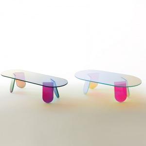 Ławy z kolekcji Shimmer zaprojektowanej przez Patricię Urquiolę. Fot. Glas Italia