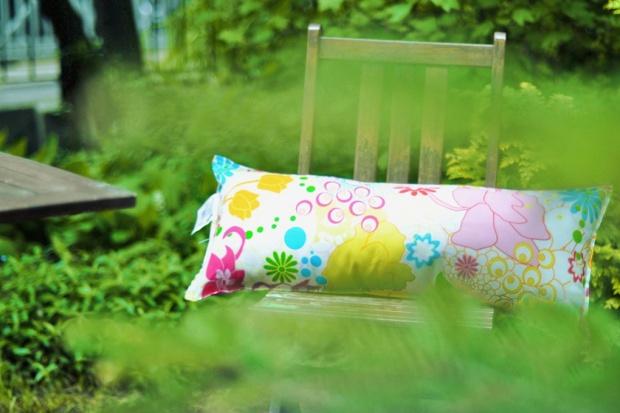 Poduszka w kwiatki na Dzień Matki: weź udział w konkursie