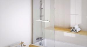 Wbrew powszechnej opinii, że mając niewielką łazienkę jesteśmy skazani na kabinę prysznicową, dzięki dostępnym na rynku kompaktowym wymiarom wanien możemy wybrać również odpowiedni model dla siebie.