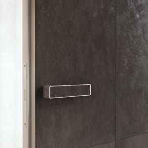 Detal drzwi Alu Skóra. Fot. PIU Design