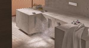Leg Shower Dornbracht to specjalny prysznic do nóg. Korzystać można z różnych strumieni, w tym na przemian zimnego i ciepłego.