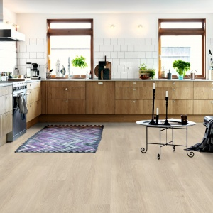 Beige washed oak, plank. Fot. Pergo