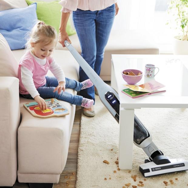 Domowe porządki: sprawdź możliwości odkurzacza bezprzewodowego