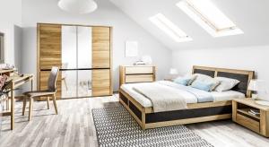 Nowa sypialnia Hill wyróżnia się nowoczesnym stylem i wyrafinowanym detalem. Proste<br />linie mebli nawiązują do niezwykle popularnego stylu skandynawskiego i doskonale pasujądo współczesnych wnętrz.