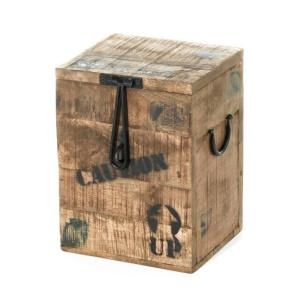 Kufer z drewna tekowego Limited Edition. Fot. Dekoria