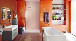 Kolor w łazience pojawia się nie tylko na meblach czy materiałach okładzinowych, ale coraz częściej także w postaci kolorowego światła LED.
