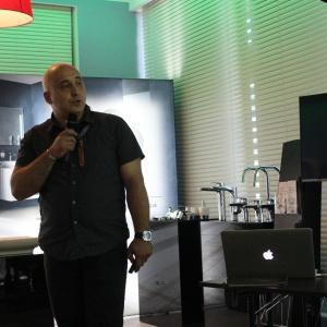 Konrad Zabiełło z Archicad prezentuje możliwości programu komputerowego dla architektów i projektantów wnętrz. Fot. Arkadiusz Kaczanowski