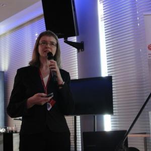 O trendach kuchennych opowiada Małgorzata Nietupska, redaktor prowadząca magazynu Świat Łazienek i Kuchni oraz Lazienka. pl. Fot. Arkadiusz Kaczanowski.